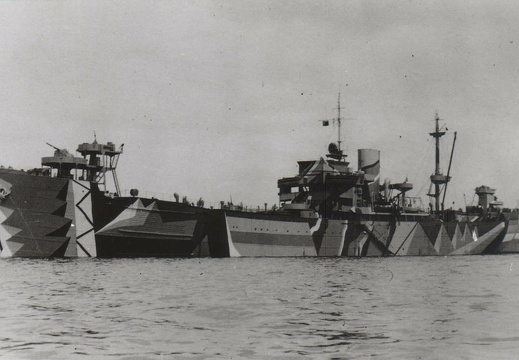 Mine clearance vessel SPERRBRECHER 11 in a North Sea port in 1943